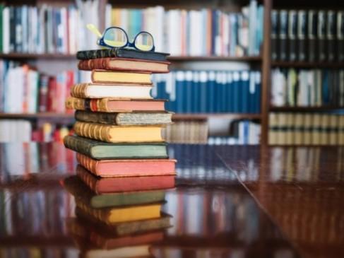 pila de libros.jpg
